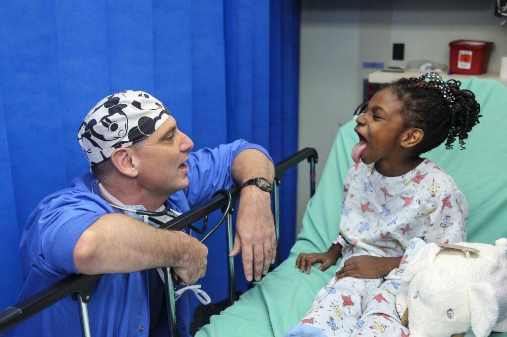 Auxiliar de pediatría
